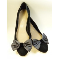 Marilyn - Elephant Shoe Bows